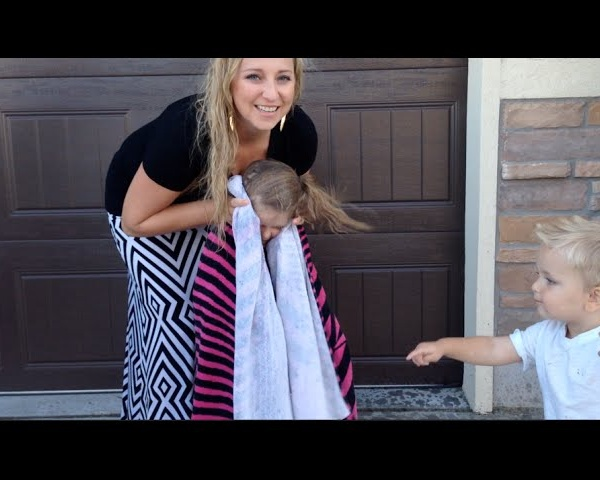 Little Girl Does Ice Bucket Challenge for #ALS!