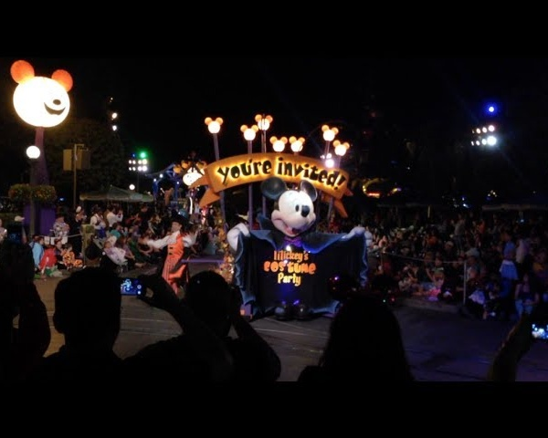 Disney's Halloween TIme and How to Make it Extra Special!